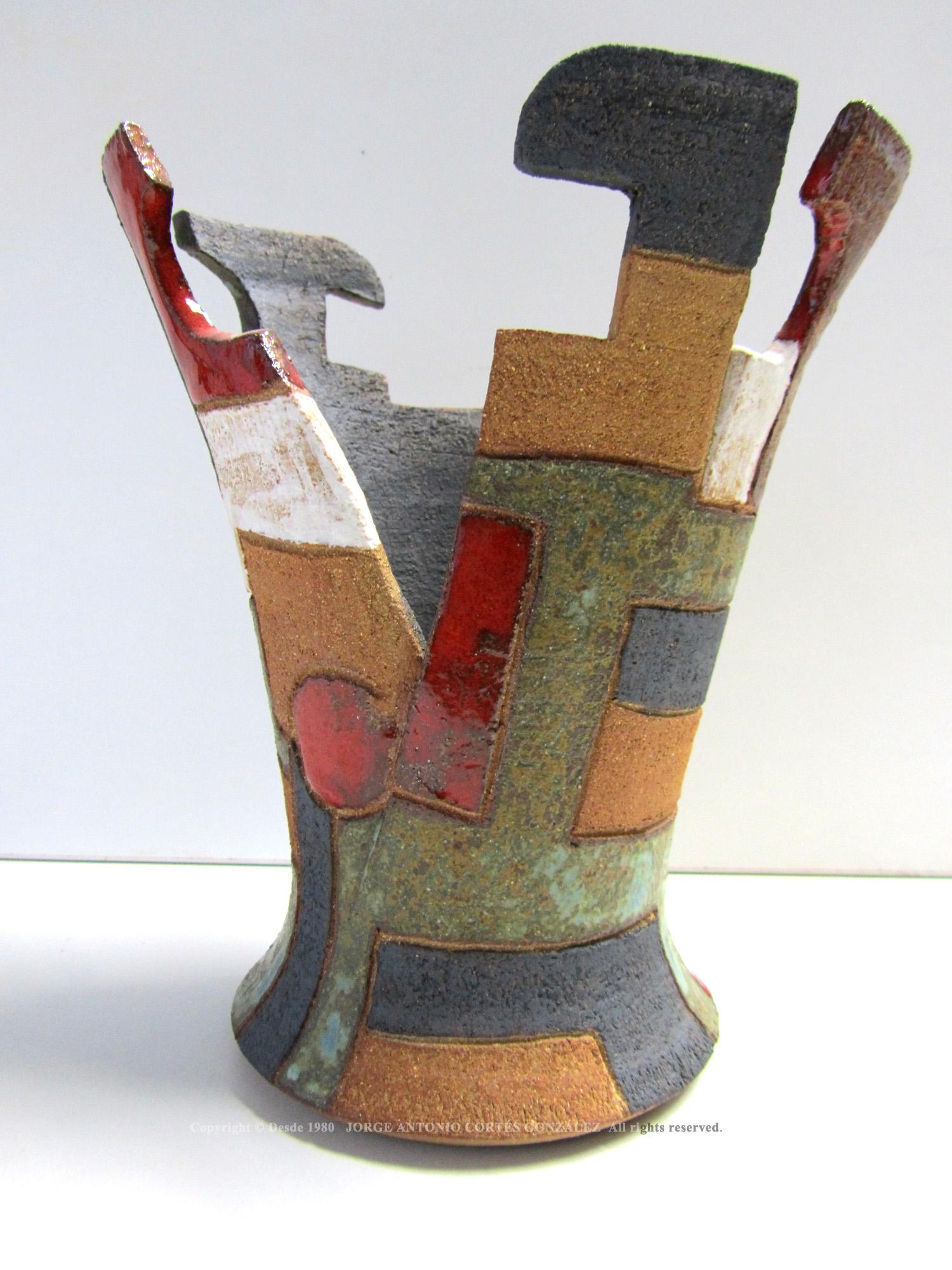 Caliz escultorico realizado partiendo de torno