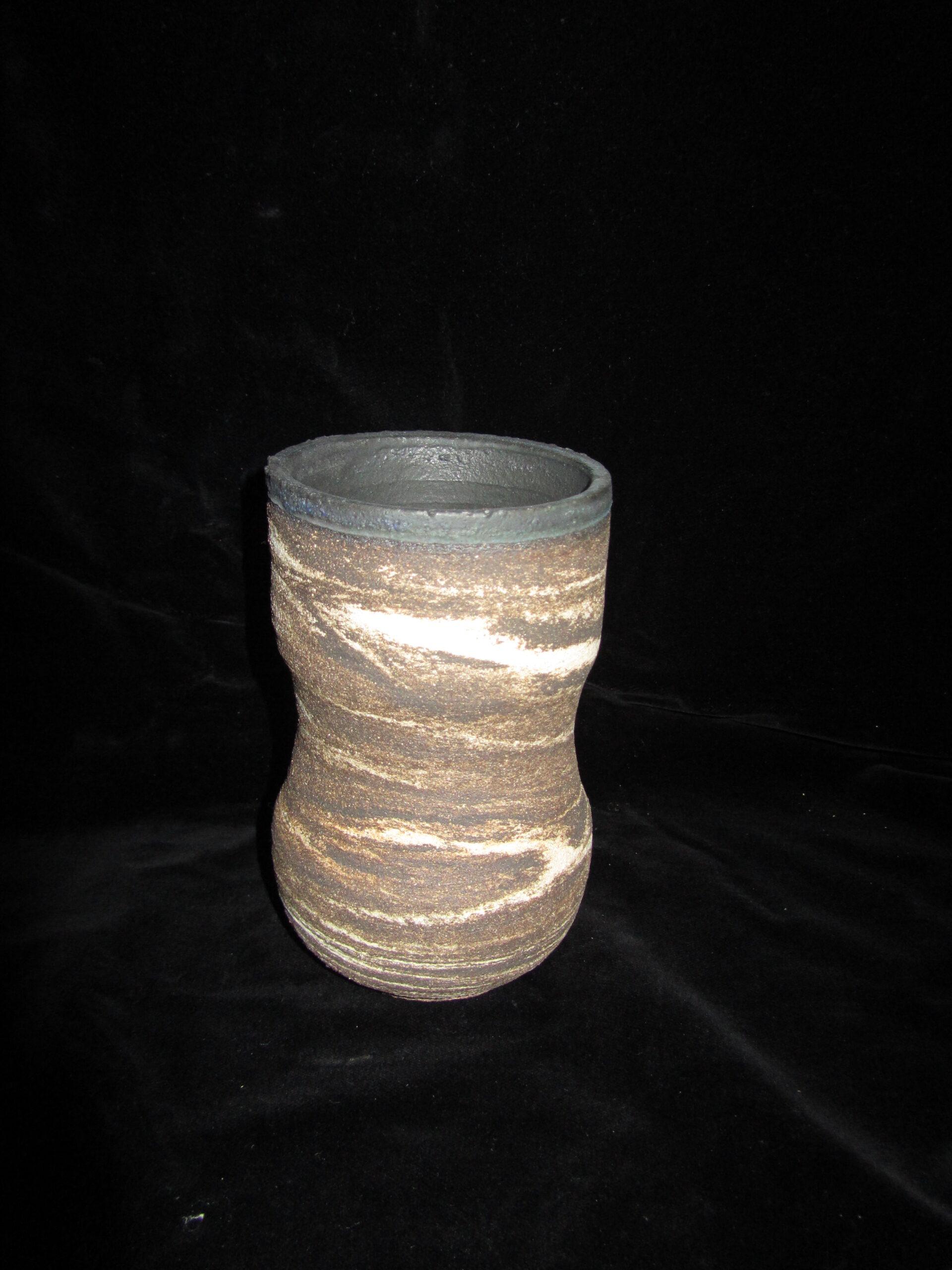 Cuenco realizado al torno con mezcla de varias arcillas, interior esmaltado (2)